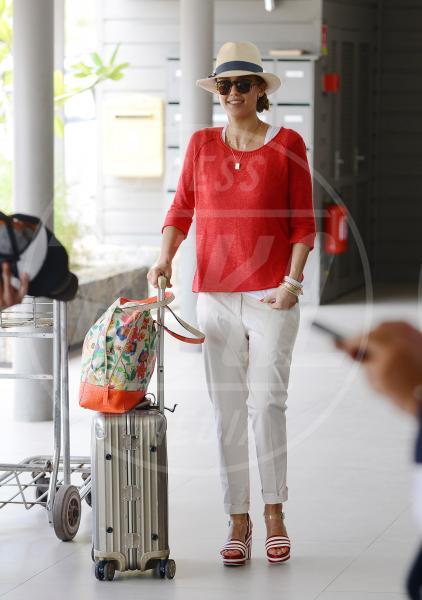 Jessica Alba - Los Angeles - 09-04-2013 - Il must dell'estate? I pantaloni bianchi