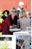 Laura Dern, Naomi Watts - Los Angeles - 12-04-2013 - Star come noi: anche Naomi Watts ha bisogno di relax