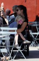 Samuel Schreiber - Los Angeles - 12-04-2013 - Star come noi: anche Naomi Watts ha bisogno di relax