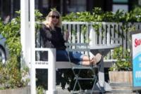 Naomi Watts - Los Angeles - 12-04-2013 - Star come noi: anche Naomi Watts ha bisogno di relax