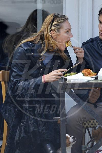 Candice Swanepoel - New York - 17-04-2013 - La grande abbuffata… che non incide sulla bilancia!