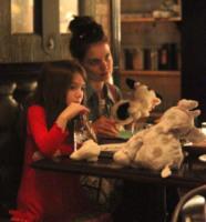 Suri Cruise, Katie Holmes - New York - 15-12-2011 - Mamme single? Sì, con stile e... di successo!