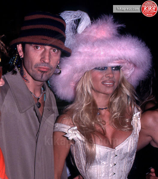 Tommy Lee, Pamela Anderson - 09-09-1999 - Non c'è due senza tre... star dal SI' facile