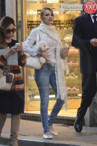 Francesca Pascale - Roma - 18-04-2013 - W le celebrity con i piedi per terra, W le ballerine!