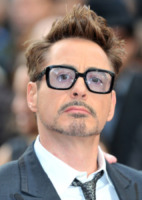 Robert Downey Jr - Londra - 18-04-2013 - Men trends: baffo mio, quanto sei sexy!