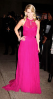 Alice Eve - New York - 18-04-2013 - La rivincita delle bionde in rosa shocking: le vip sono Barbie!
