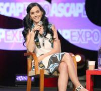 Katy Perry - Hollywood - 18-04-2013 - Sharon Stone replica Basic Instinct su Instagram, web in delirio