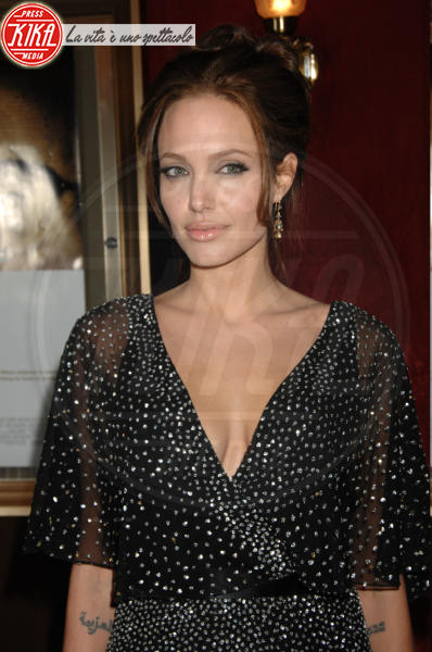 Angelina Jolie - New York - 12-12-2006 - Pitt e Angelina, Natale in Costa Rica
