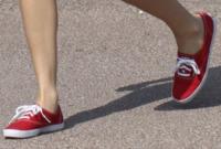 Taylor Swift - Los Angeles - 16-03-2013 - Aperte, chiuse, piccole, grosse: basta che siano scarpe rosse!