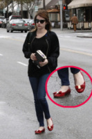 Los Angeles - 08-02-2013 - Aperte, chiuse, piccole, grosse: basta che siano scarpe rosse!