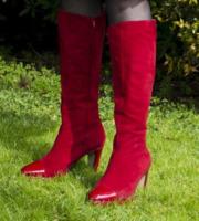 Milena Vukotic - Roma - 01-03-2013 - Aperte, chiuse, piccole, grosse: basta che siano scarpe rosse!