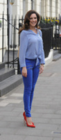 Kelly Brook - Londra - 18-04-2013 - Aperte, chiuse, piccole, grosse: basta che siano scarpe rosse!