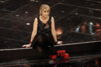 Luciana Littizzetto - Sanremo - 14-02-2013 - Aperte, chiuse, piccole, grosse: basta che siano scarpe rosse!