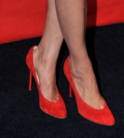 Berenice Bejo - Parigi - 19-11-2012 - Aperte, chiuse, piccole, grosse: basta che siano scarpe rosse!