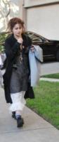 Elena Propper de Callejon, Helena Bonham Carter - Beverly Hills - 29-11-2011 - Il mattino ha l'oro in bocca… e la stanchezza in faccia!