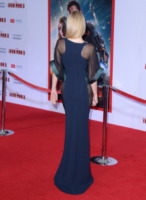 Gwyneth Paltrow - Hollywood - 24-04-2013 - Vade retro abito!: Gwyneth Paltrow in Antonio Berardi