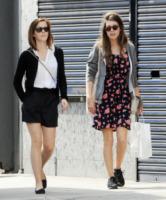 Emma Watson - Londra - 27-04-2013 - Casual addio: oggi lo street-style diventa bon ton!