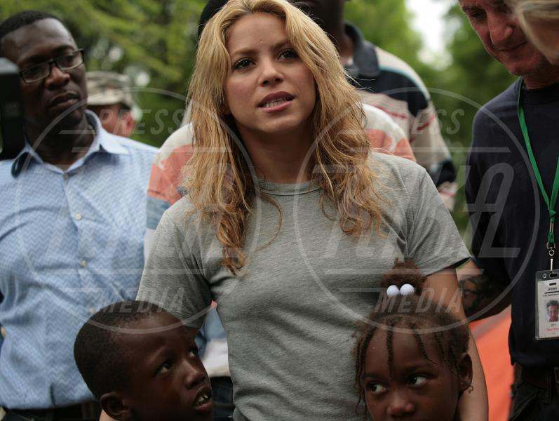 Shakira, Sean Penn - Port-au-prince - 11-04-2010 - Jude Law, l'ultimo dei green warriors