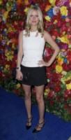 Nicky Hilton - New York - 01-05-2013 - Camicia bianca e gonna nera: un look… evergreen!
