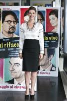 Vanessa Incontrada - Roma - 01-05-2013 - Camicia bianca e gonna nera: un look… evergreen!