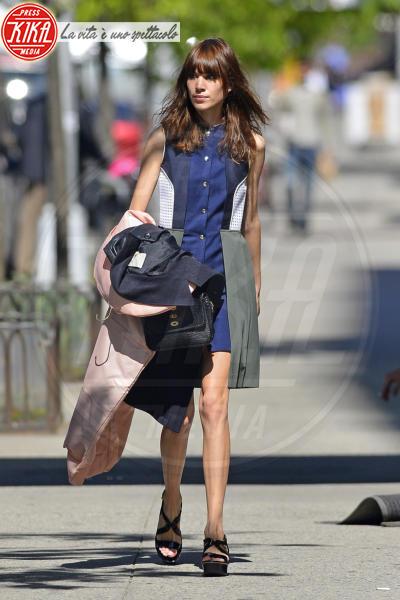 Alexa Chung - New York - 02-05-2013 - Quando magro non è bello: star che sono dimagrite troppo
