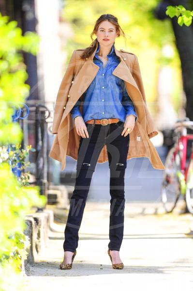 Behati Prinsloo - New York - 02-05-2013 - Behati Prinsloo, un Angelo street per Victoria's Secret