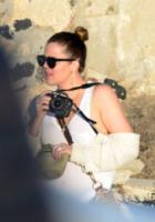 Kardashian, Khloe Kardashian - Mykonos - 13-01-2013 - Clan Kardashian: il bello di essere ricchi e famosi