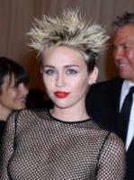 Miley Cyrus - New York - 06-05-2013 - La guerra dell'anello: Miley Cyrus contro Liam Hemsworth