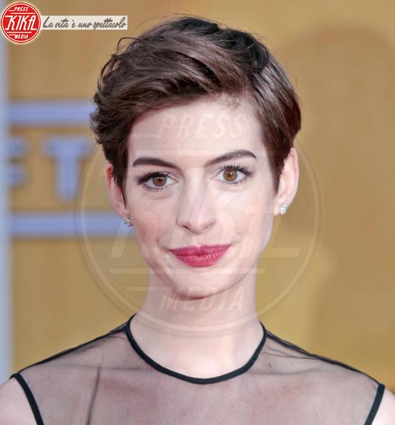Anne Hathaway - Los Angeles - 27-01-2013 - A qualcuna piace corto… il capello