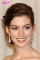 Hollywood - 25-02-2007 - Anne Hathaway si trasferisce dal suo parrucchiere