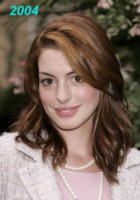 Beverly Hills - 14-09-2004 - Anne Hathaway si trasferisce dal suo parrucchiere