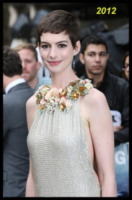 Anne Hathaway - Londra - 18-07-2012 - Anne Hathaway si trasferisce dal suo parrucchiere