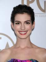 Anne Hathaway - Beverly Hills - 26-01-2013 - A qualcuna piace corto… il capello