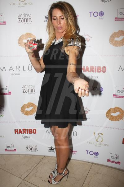 Guendalina Canessa - Milano - 08-05-2013 - Profumo di star: Katy Perry comanda la fila