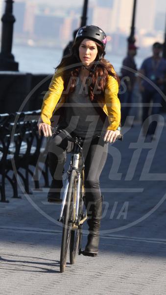 Megan Fox - New York - 09-05-2013 - Dove vai, se la bici (condivisa) non ce l'hai?