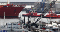 Jolly Nero - Genova - 12-05-2013 - La Jolly nero viene rimorchiata verso la riparazione