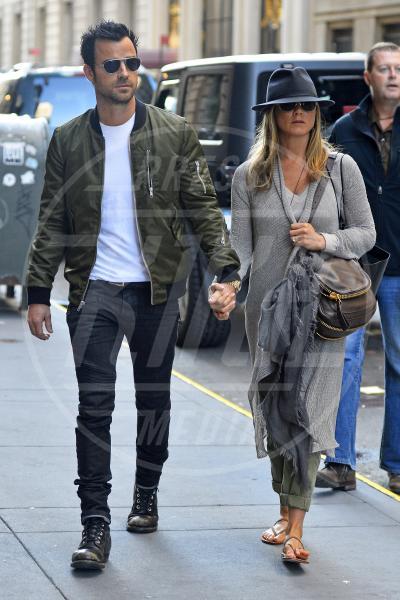 Justin Theroux, Jennifer Aniston - New York - 12-05-2013 - Justin Theroux e Jennifer Aniston alle nozze di Lake Bell