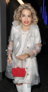 Rita Ora - Londra - 01-05-2013 - Diletta e le altre: trench trasparente, chi lo indossa meglio?