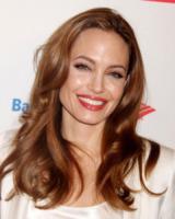 Angelina Jolie - New York - 14-05-2013 - Angelina Jolie cuoca d'insetti per la troupe della BBC