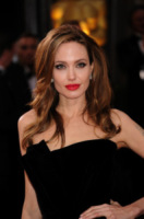 Angelina Jolie - Hollywood - 26-02-2012 - Charlotte Brosnan poteva salvarsi con il test anticancro?