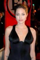 Angelina Jolie - Los Angeles - 16-11-2004 - Charlotte Brosnan poteva salvarsi con il test anticancro?