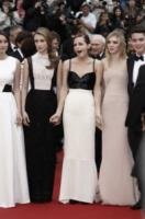 Claire Julien, Emma Watson - Cannes - 16-05-2013 - Festival di Cannes: secondo giorno sul tappeto rosso