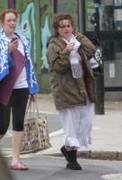 Helena Bonham Carter - Londra - 17-05-2013 - Star come noi, la mattina resto in pigiama!