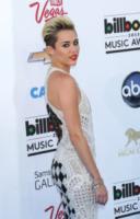 "Miley Cyrus - Las Vegas - 18-05-2013 - Miley Cyrus: ""L'alcol più pericoloso della marijuana"""