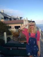 Fearne Cotton - 20-05-2013 - Dillo con un tweet: stretching in aeroporto con Demi Lovato