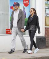 Mila Kunis, Ashton Kutcher - Londra - 19-05-2013 - Nozze a Stonehenge per Kutcher-Kunis, Demi Moore permettendo
