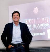 Gianni Morandi - Milano - 21-05-2013 - Gianni Morandi presenta a Milano lo show Live in Arena