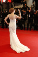 Kylie Minogue - Cannes - 21-05-2013 - Festival di Cannes: l'oblò sulla schiena di Clotilde Courau