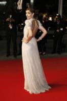 Clotilde Courau - Cannes - 21-05-2013 - Festival di Cannes: l'oblò sulla schiena di Clotilde Courau