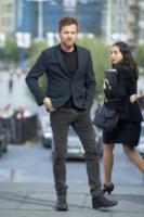 Ewan McGregor - San Sebastian - 27-09-2012 - Baffi a manubrio e capelli nero corvino per Ewan McGregor